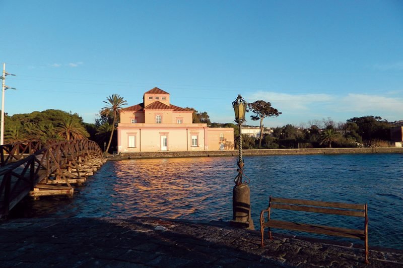 Casina Vanvitelliana del lago Fusaro